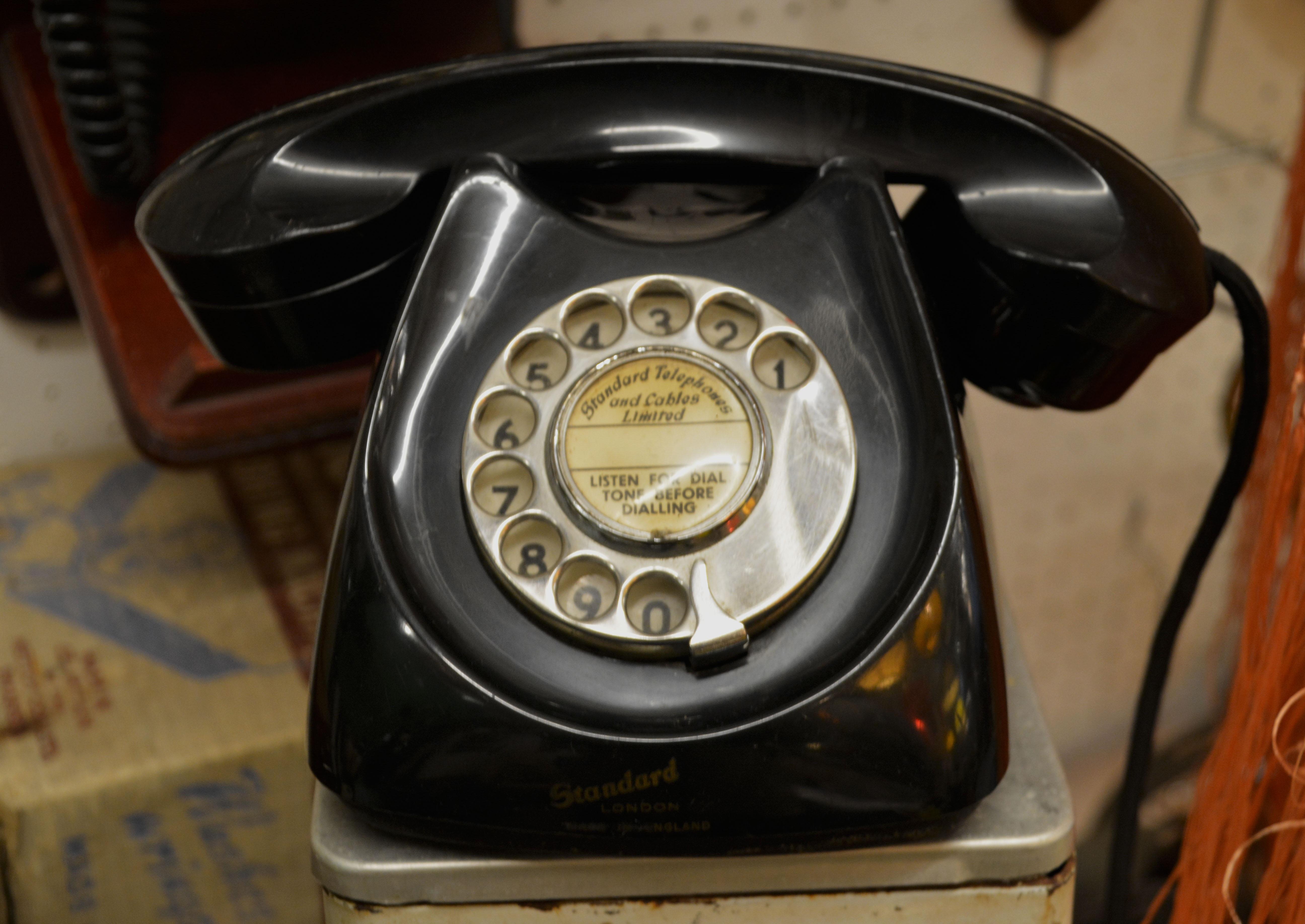Ansluta mobil telefon till hem telefon
