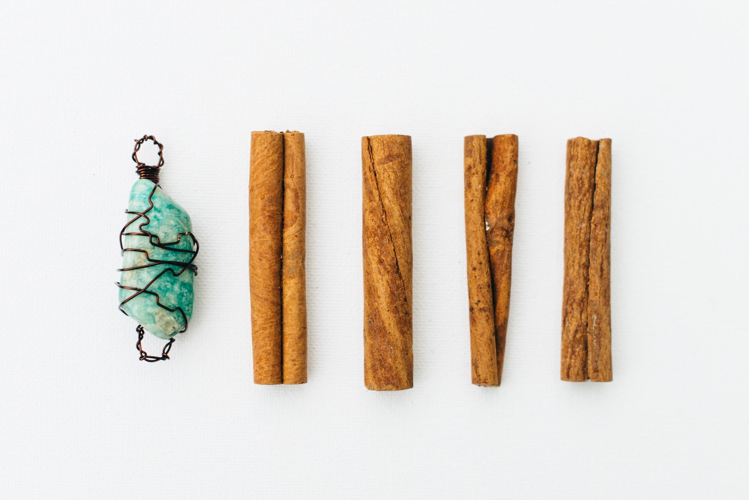 Bijoux en bois fait main for Objet artisanat d art