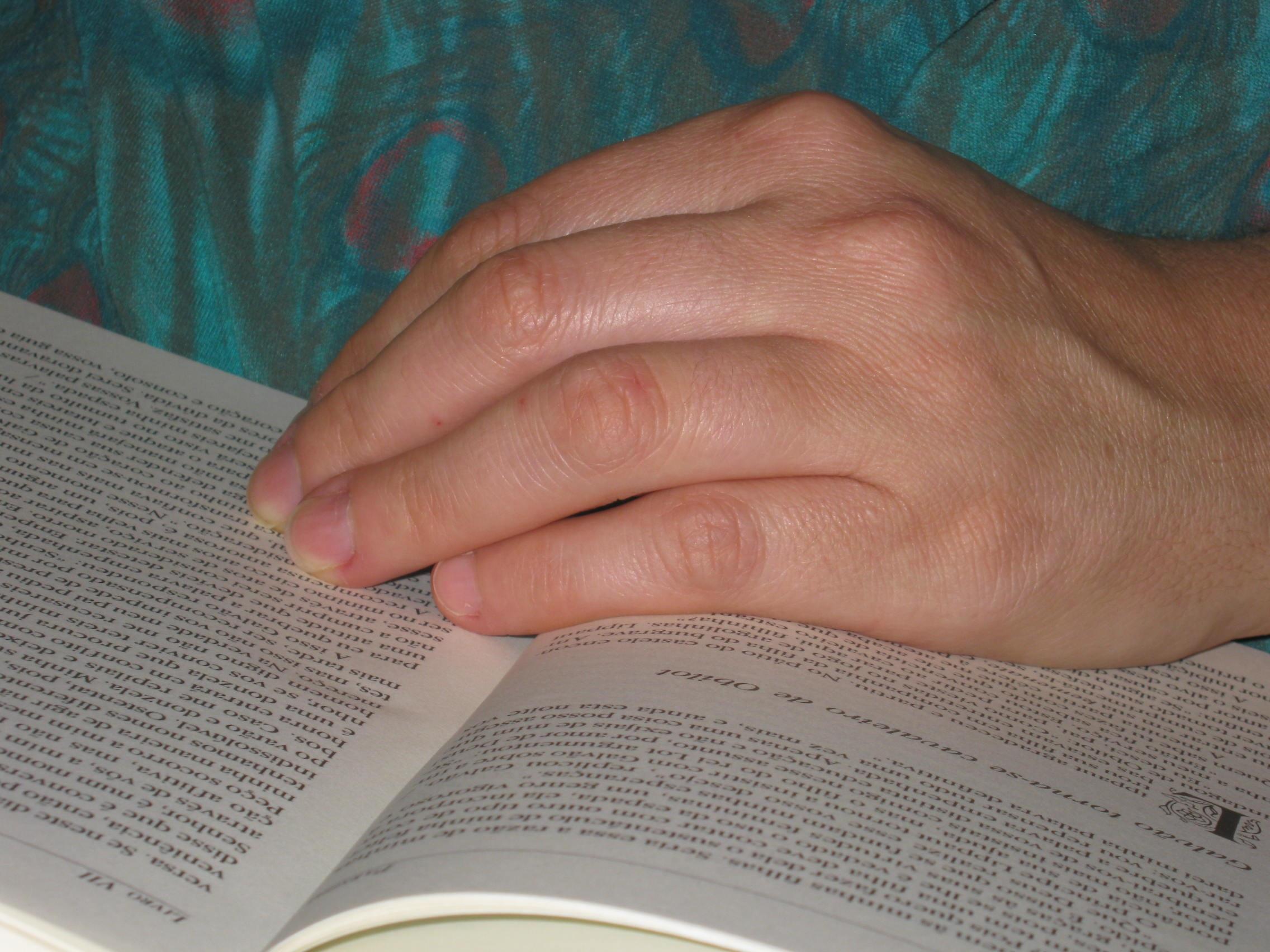 penulisan tangan Book Baca baca bacaan jari lengan merapatkan belajar jari kulit huruf belajar