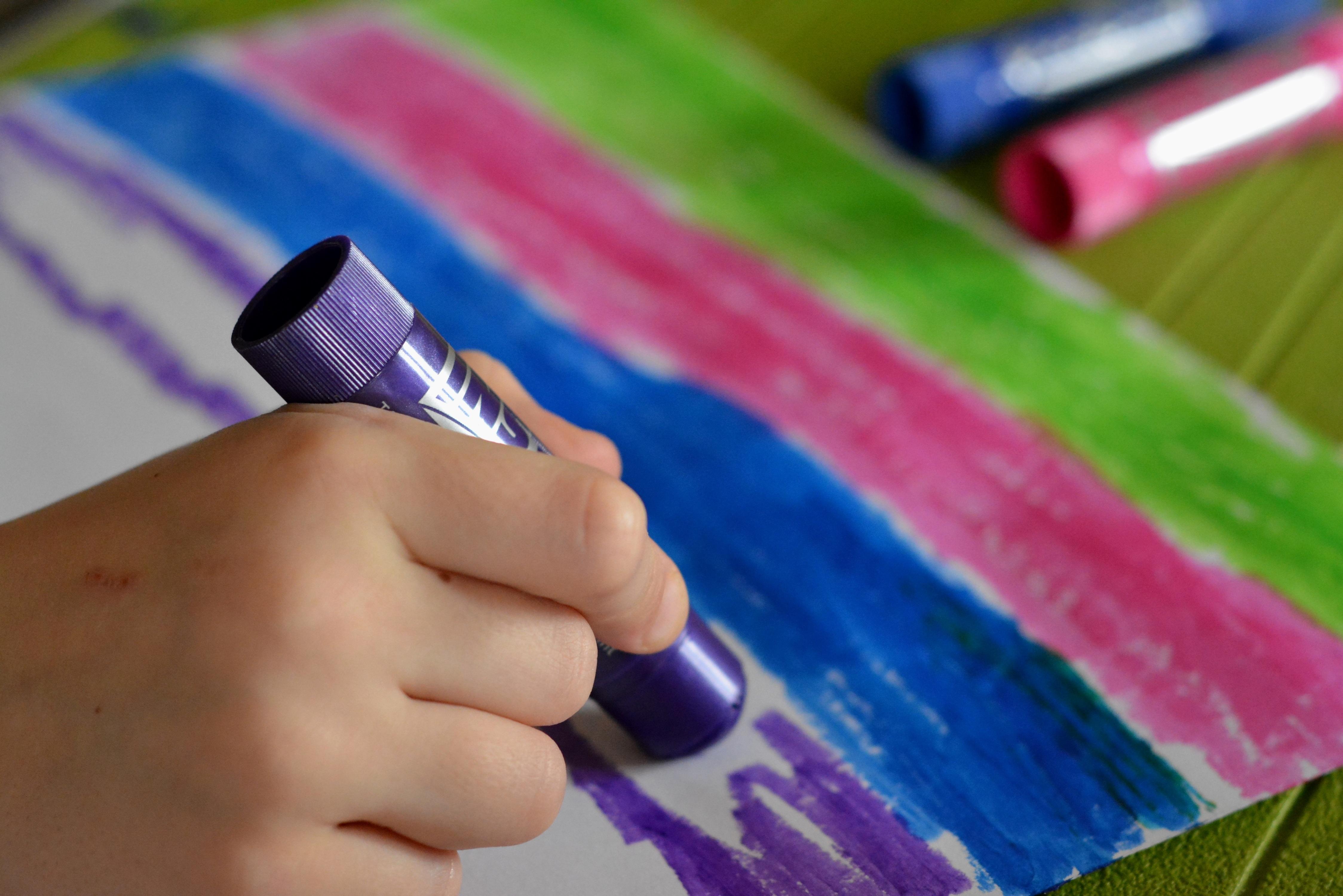 penulisan tangan jari warna anak cat kuku lukisan warna berwarna playcolor cat tongkat