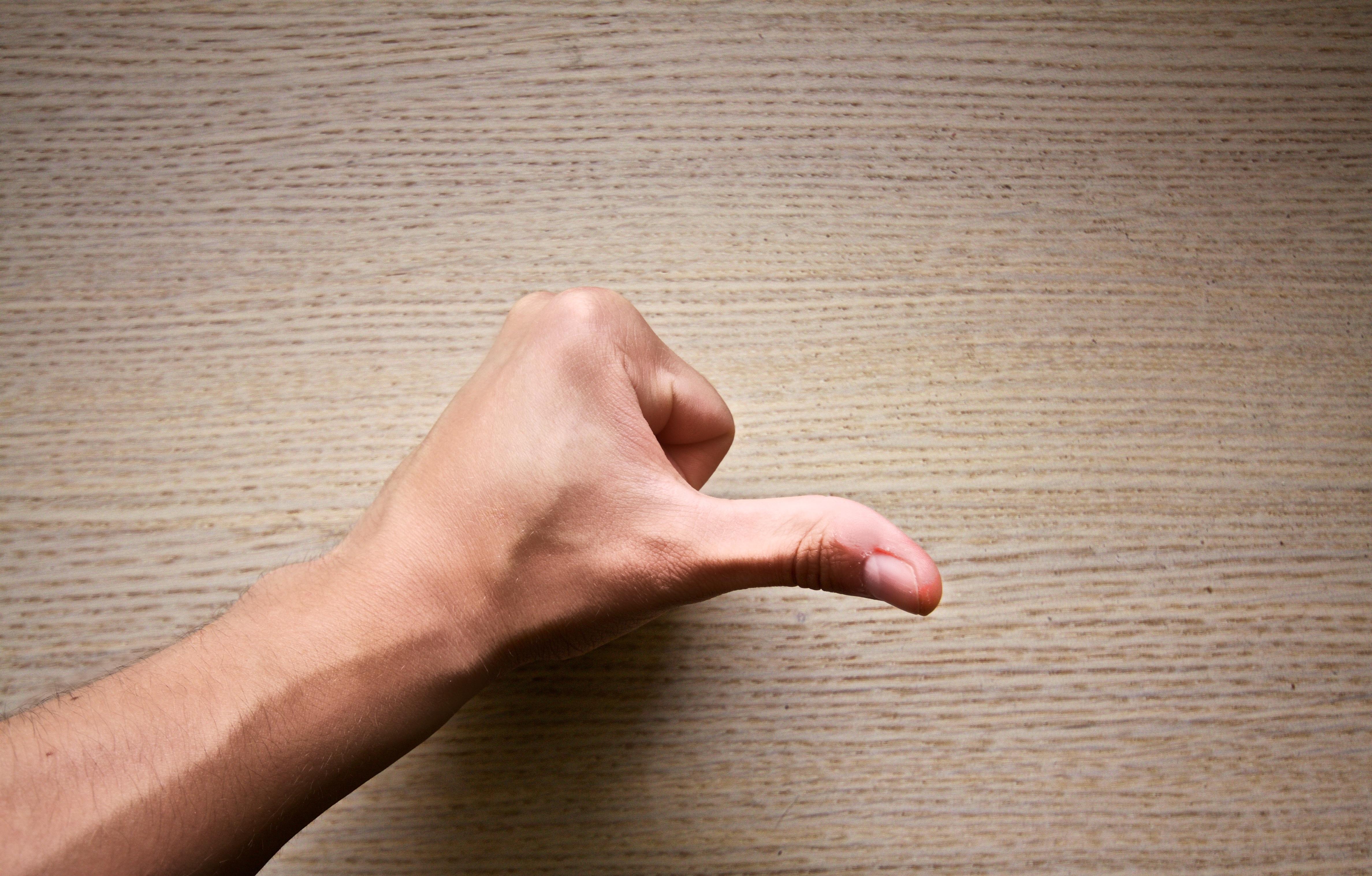 пальцы в пись фото