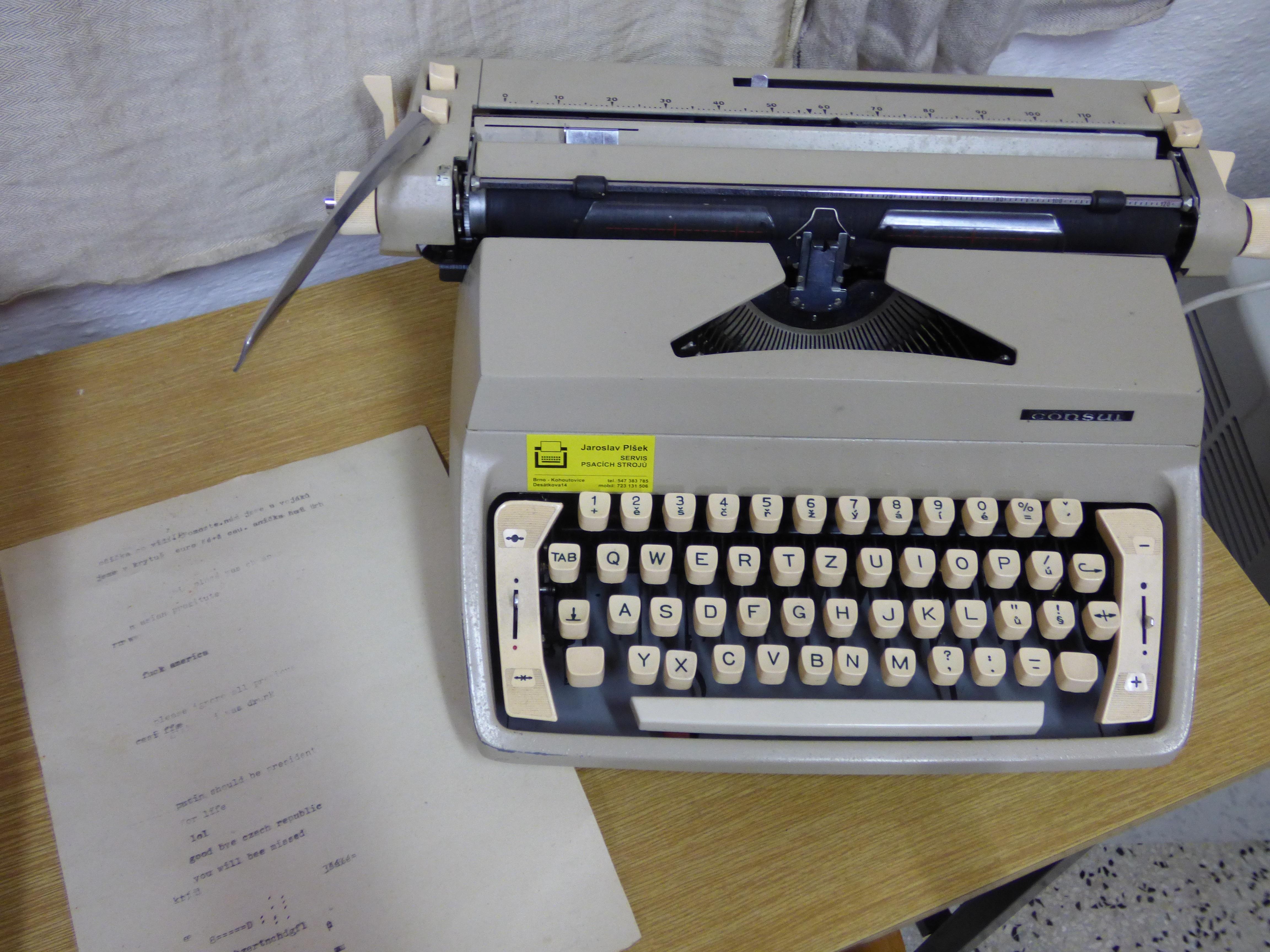 Gambar Penulisan Keyboard Retro Mesin Tik Surat Mencetak