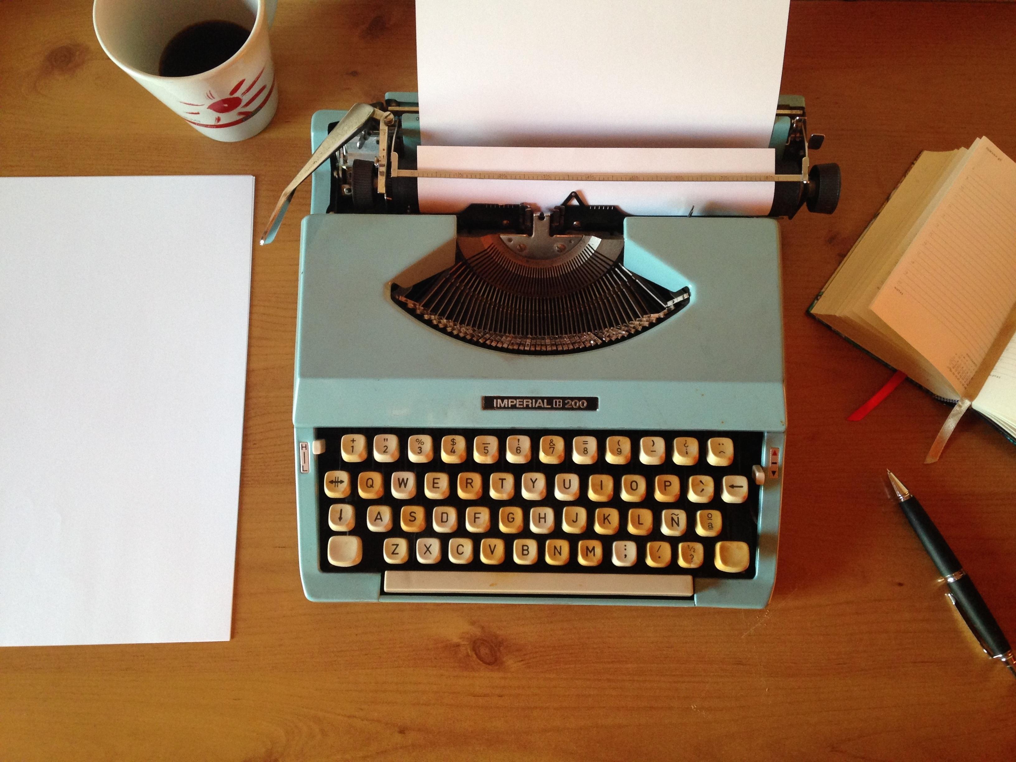 Essay typewriter